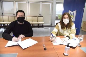 Nardini firmó convenio con la ministra Estela Díaz para ayudar a las mujeres que sufren violencia de género