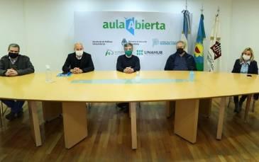 Zabaleta recibió a Guillermo Merediz, quien entregó un fondo nacional para el Centro de Rehabilitación de la UNAHUR destinado a pacientes con Covid-19