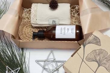 2 regalos deco para navidad con metáfora: box toilett y box cocina