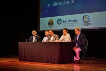 Ariel Sujarchuk y el ministro Augusto Costa encabezaron la Primera Ronda de Negocios 2020 organizada por la Municipalidad de Escobar