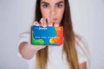 Lanzan una tarjeta con beneficios y descuentos para jóvenes