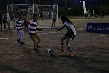 Se realizó un encuentro de fútbol femenino en Beccar