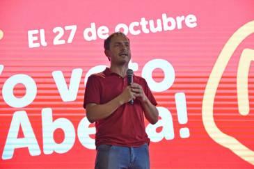 """Abella lanzó su campaña para octubre y llamó a los vecinos a seguir """"transformando Campana"""""""