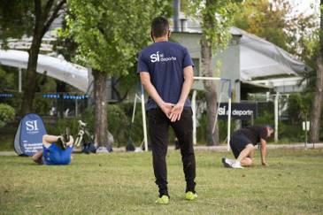 Clases de fútbol para adultos en el Campo de Deportes Nº 2