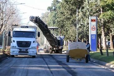 Continúa la renovación del asfalto en Av. Unidad Nacional