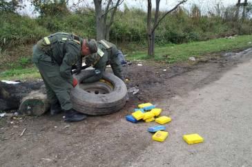 """Operación """"Caballito Blanco"""": se incautaron más de 280 kilos de cocaína"""