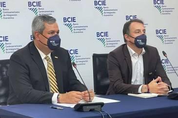 BCIE y Argentina formalizan programas para apoyar la transformación digital de PYMES y mitigar la violencia de género